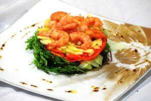 ensalada-templada-de-langostinos