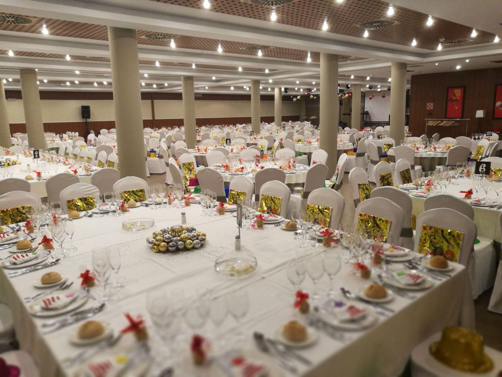 Decoraci n comedor cena de gala de fin de a o restaurante raices m laga - Casa para fin de ano malaga ...